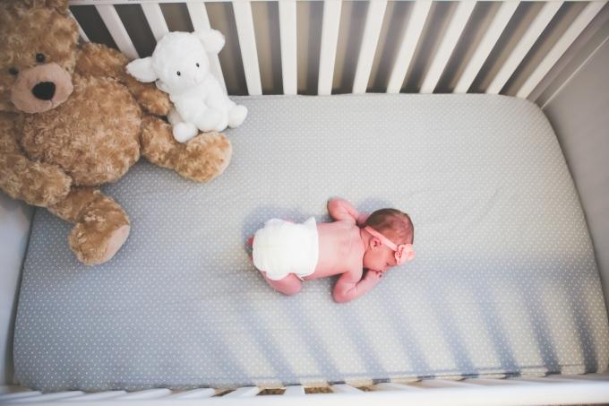 newborn photography of baby kate